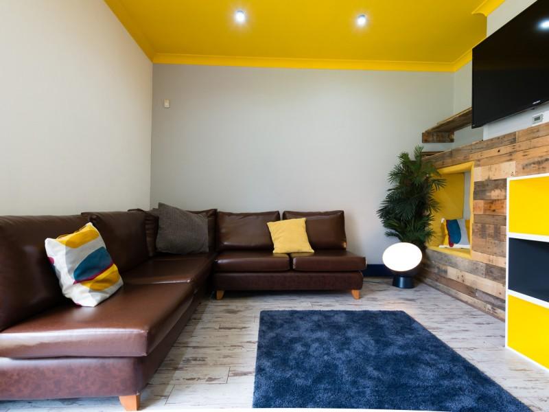 Mathews_House_lounge