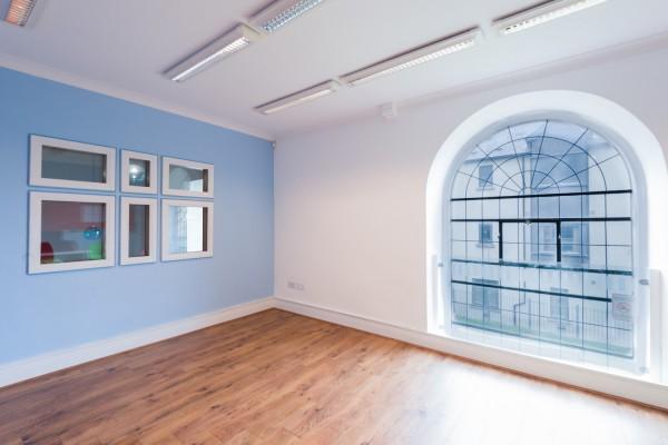 Mathews_House_multi-use-room